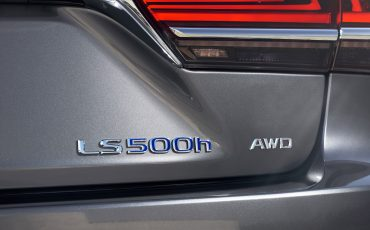 Lexus-LS-500h-exterieur-2018-37
