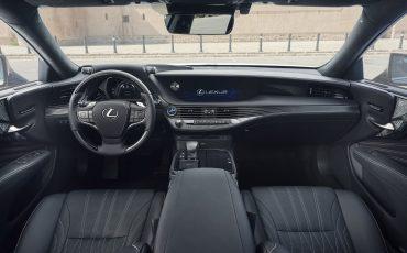 Lexus-LS-500h-interieur-2018-15