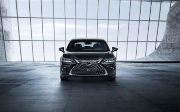 02-Lexus-ES