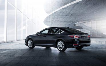 03-Lexus-ES