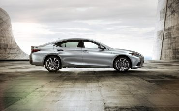 12-Lexus-ES-F-SPORT