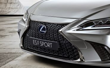 13-Lexus-ES-F-SPORT