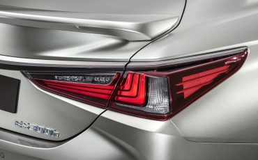 17-Lexus-ES-F-SPORT