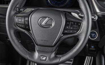 20-Lexus-ES-F-SPORT