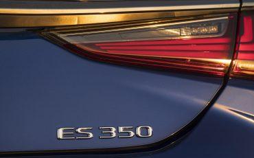 41-Lexus-ES-F-SPORT