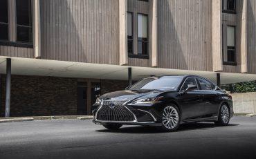 Lexus ES 300H - GRAPHITE BLACK (1)