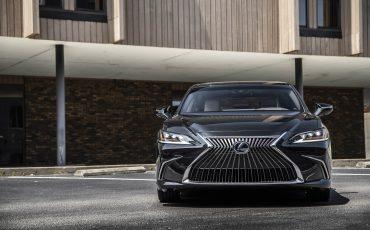 Lexus ES 300H - GRAPHITE BLACK (3)
