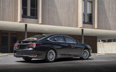 Lexus ES 300H - GRAPHITE BLACK (6)