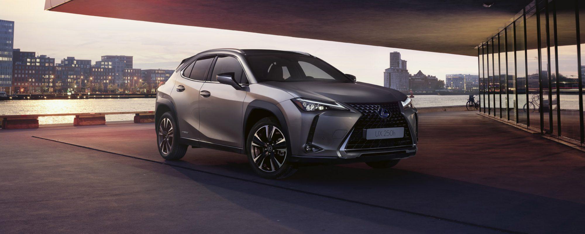 Lexus maakt prijs nieuwe UX 250[h] bekend
