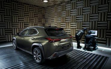 Zeven-unieke-kenmerken-van-de-nieuwe-Lexus-UX-3