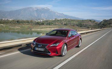 02-Lexus-RC-300h-Radiant-Red-dynamic