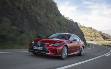 04-Lexus-RC-300h-Radiant-Red-dynamic