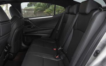 31-Lexus-ES-300h-Sonic-Titanium-detail