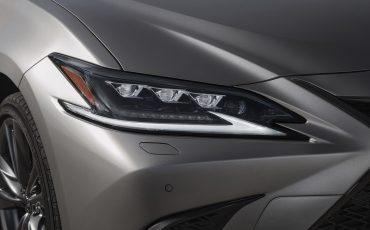 36-Lexus-ES-300h-Sonic-Titanium-detail