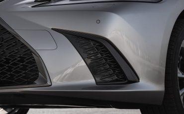 39-Lexus-ES-300h-Sonic-Titanium-detail