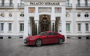 45-Lexus-RC-300h-Radiant-Red-Static