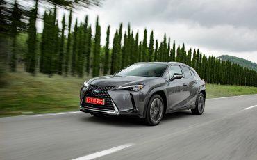 01-Lexus-UX-250h-Grey-Dynamic