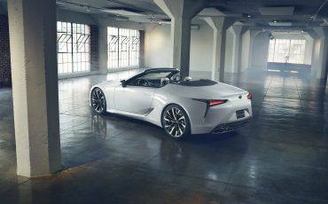 02_Lexus-persconferentie-Autosalon-Geneve-allesbehalve-traditioneel