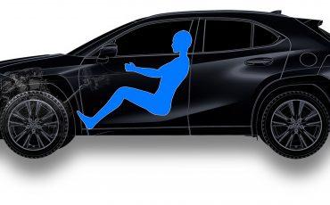 03-Lexus-UX-250h-Tech
