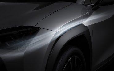 04-Lexus-UX-250h-Tech