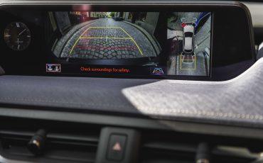 05-Lexus-UX-interior-cobalt