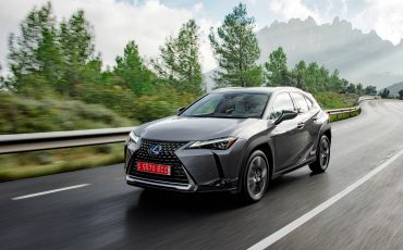 06-Lexus-UX-250h-Grey-Dynamic