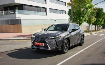 13-Lexus-UX-250h-Grey-Dynamic