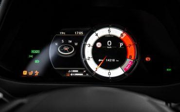 13-Lexus-UX-250h-White-Dynamic