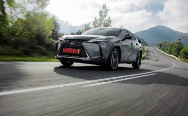 15-Lexus-UX-250h-Grey-Dynamic