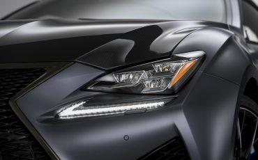05-Lexus-ontwikkelt-reclamecampagne-voor-slechts-een-auto