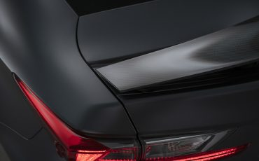 08-Lexus-ontwikkelt-reclamecampagne-voor-slechts-een-auto