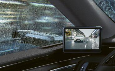 01-Digitale-buitenspiegels-voor-de-Lexus-ES