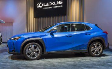 01-Geneva-Motor-Show-Lexus-met-drie-belangrijke-Europese-publieksprimeurs