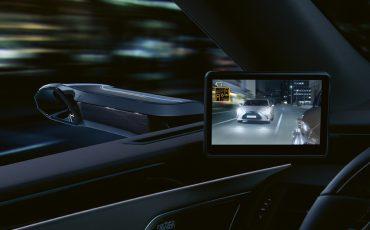 03-Digitale-buitenspiegels-voor-de-Lexus-ES