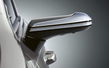 04-Digitale-buitenspiegels-voor-de-Lexus-ES