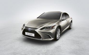 07-Digitale-buitenspiegels-voor-de-Lexus-ES
