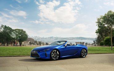 07-Geneva-Motor-Show-Lexus-met-drie-belangrijke-Europese-publieksprimeurs