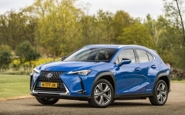 10-De-Lexus-UX-300e-Electric-gebouwd-volgens-Lexus-DNA