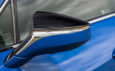 16-De-Lexus-UX-300e-Electric-gebouwd-volgens-Lexus-DNA