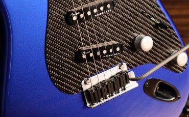 Daar zit muziek in: de Fender® Lexus LC Stratocaster